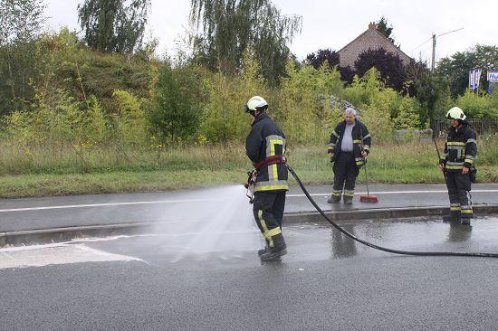"""Résultat de recherche d'images pour """"nettoyage route par pompiers"""""""